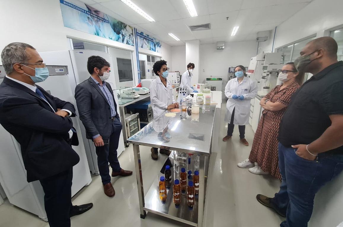 Na ocasião, todo o escopo de atuação do Cimatec foi explicado aos representantes do CBA, desde as atividades educacionais realizadas pelo Campus dentro da estrutura do Senai até os trabalhos realizados nos diversos laboratórios do local.