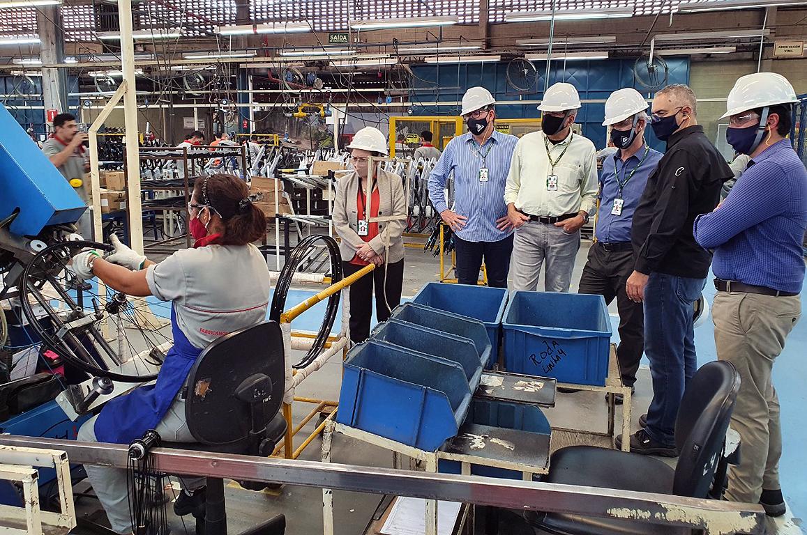 Empresa produz 800 modelos diferentes em sua planta fabril de Manaus e incorporou novas técnicas para atender a um público cada vez mais exigente, como o uso da fibra de carbono, por exemplo.