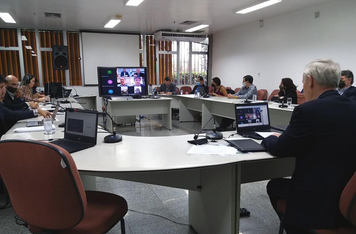 Uma das preocupações dos parlamentares amazonenses é garantir a segurança do modelo ZFM durante a reforma tributária. Houve, ainda, apoio unânime da bancada à personalidade jurídica do Centro de Biotecnologia da Amazônia.